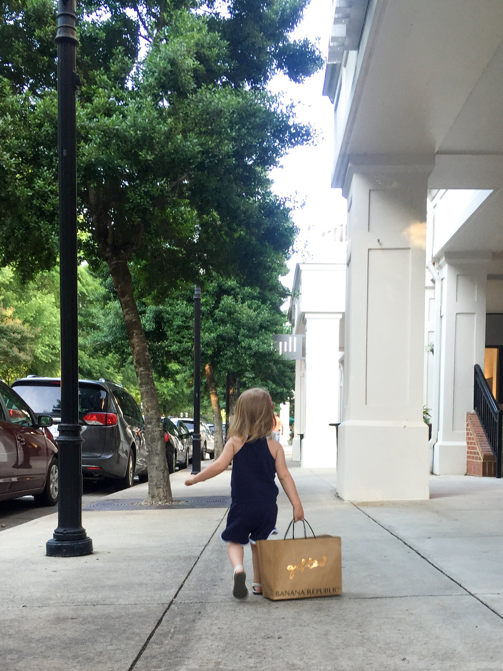 birkdale-village-huntersville-nc-toddler-shopping