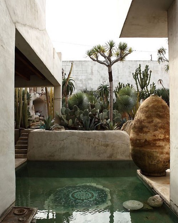 Water features, even small ones, give you an immediate feeling of being in your own private resort.  Photo via Pinterest: Philip Dixon's House, California, 2011