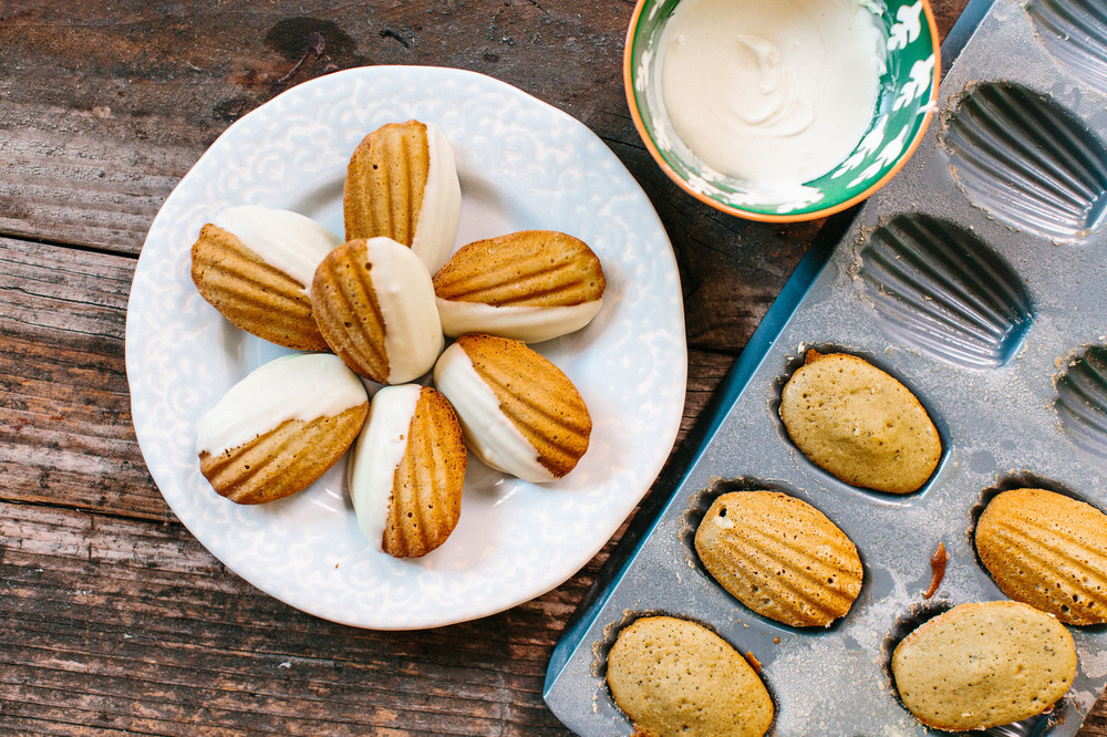 matcha madeleines, green tea madeleines, green tea madeleine, green tea madeleine recipe, madeleine cookies,madeleines cookies,madeleines recipe, madeleines, honeysuckle, honeysuckle catering