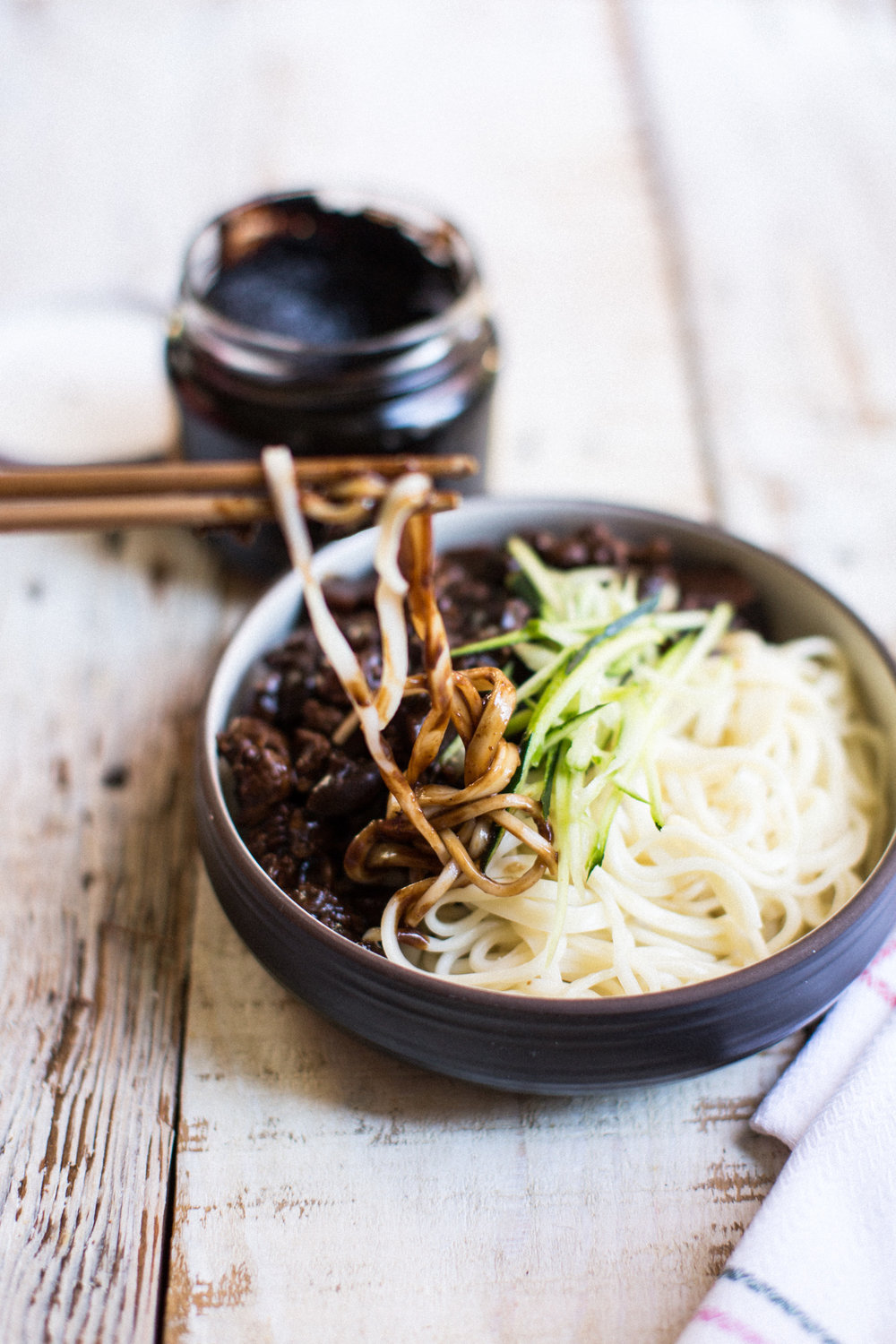Jajangmyeon Noodles Honeysuckle