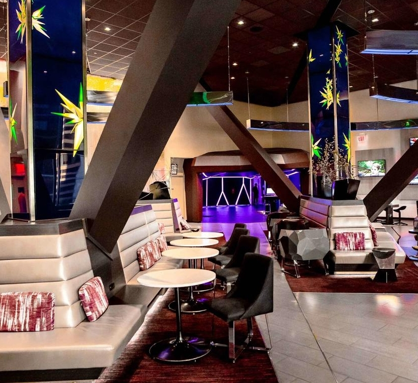 Hotel Novotel Times Square - Адрес:226 W 52nd St, New York, NY 10019