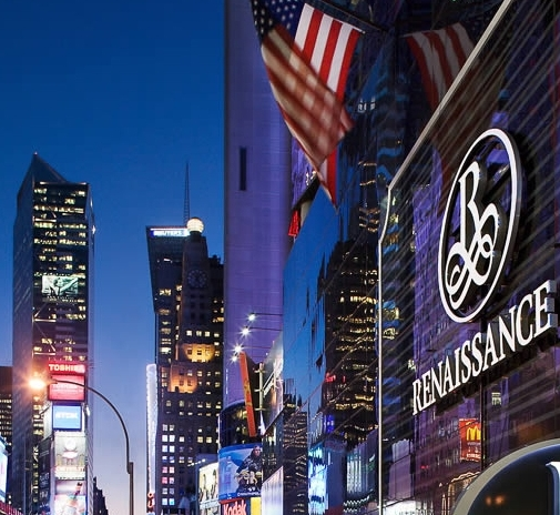 Renaissance New York Times Square Hotel - Адрес: Two Times Square, 714 Seventh Avenue at W. 48th Street, New York, NY 10036Стандартный номер на Новый год:$1080 за ночь