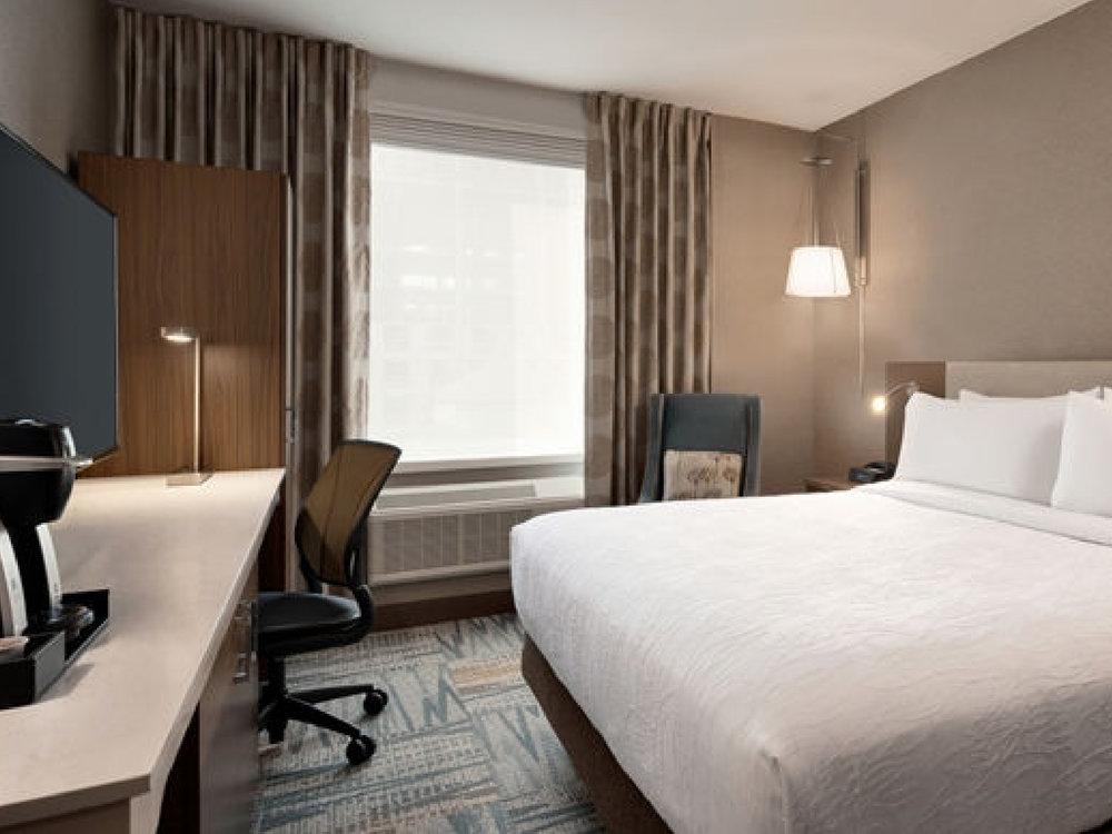 Hilton Garden Inn ✩✩✩ - Стандартный номер:От $130 за ночь(В зависимости от сезона)Район: Таймс Сквер