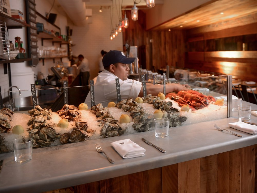Cull & Pistol Oyster Bar - Chelsea Market, 75 9th Ave, New York, NY 10011