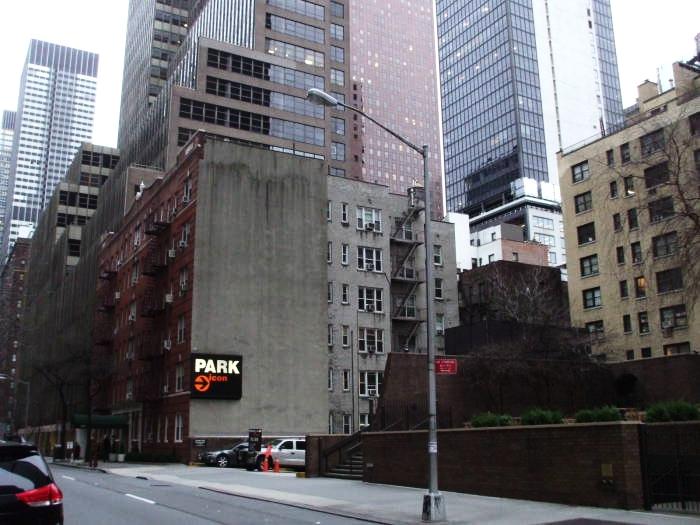 Warhol's_Silver_Factory_1_блог_о_нью_йорке_ньюйоркгид.jpg