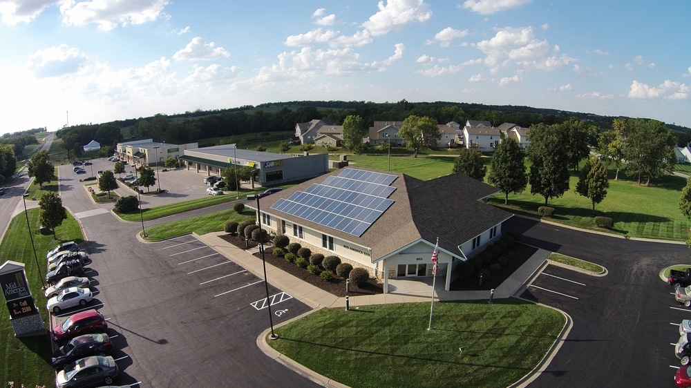 Mid America Bank solar array © 2015 Cromwell Environmental