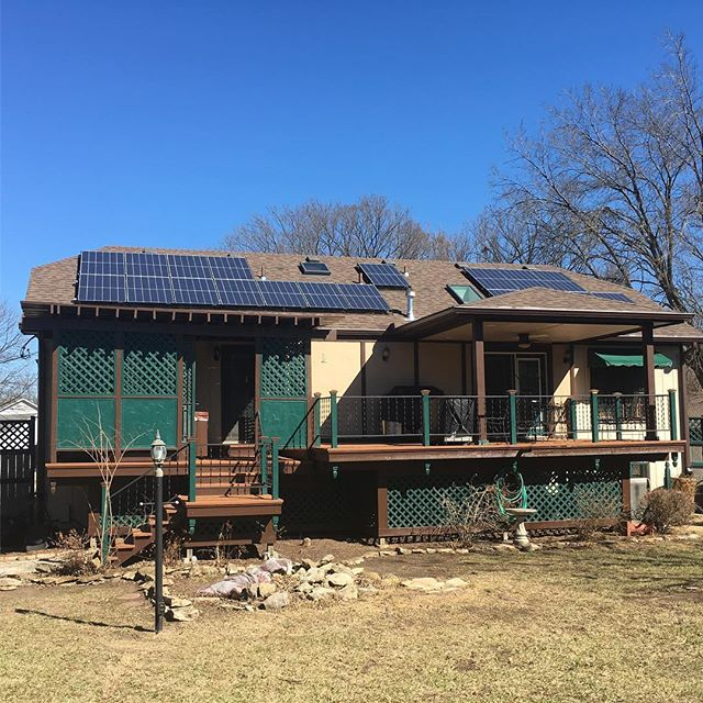 The weather cooperated while we installed this 4.7 kW #solararray in #topeka. #kssolar