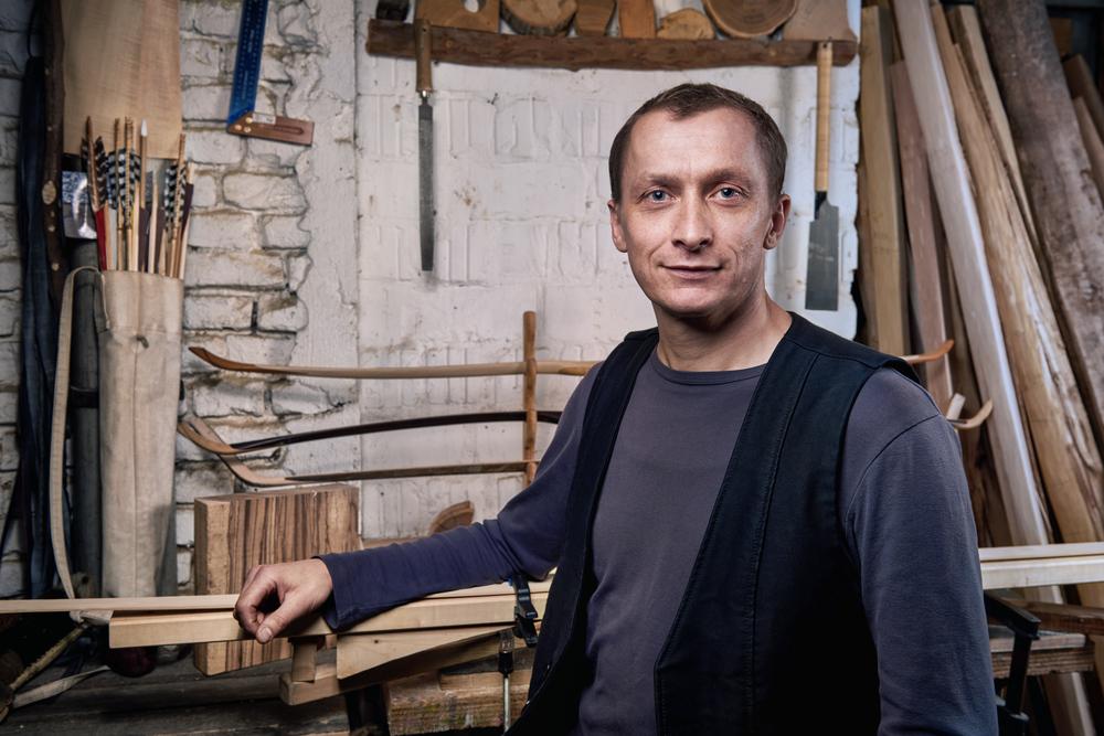 Bogenbauer Gerhard Wiedemann ist der Spezialist für den Bau von traditionellen Holzbögen in Berlin