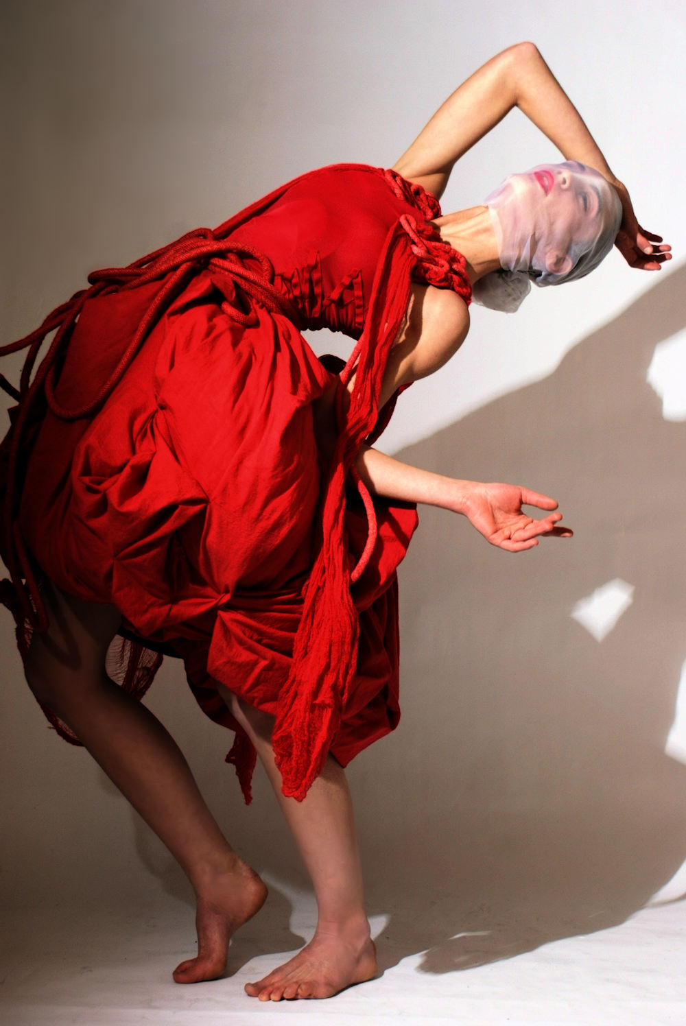 ALT=%22SCHIZOPHRENIC-EXPERIENCE-COUTURE-RED-GOWN-5%22.jpg