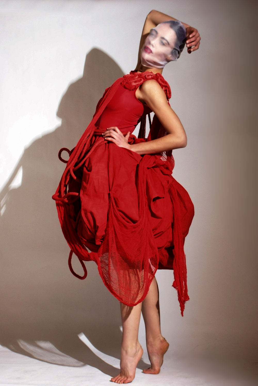 ALT=%22SCHIZOPHRENIC-EXPERIENCE-COUTURE-RED-GOWN-6%22.jpg