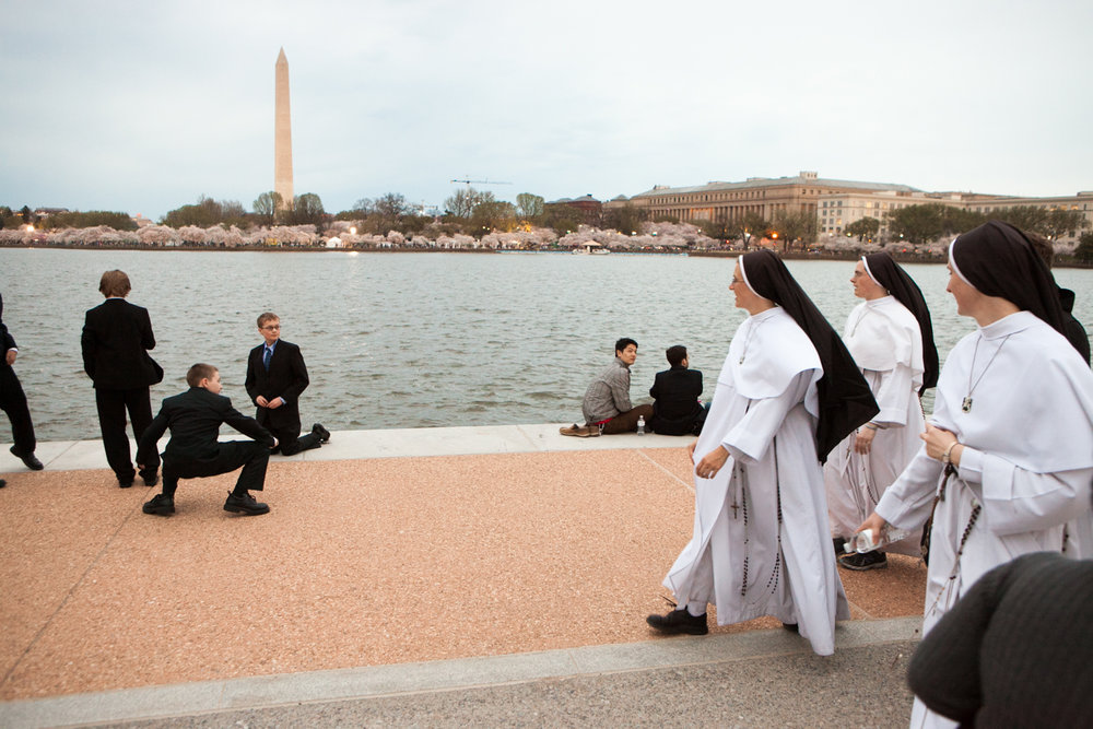 Nuns and boys at Jefferson Memorial