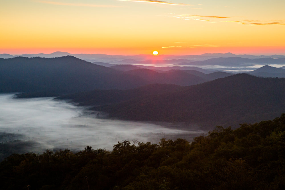 Landscape Travel Photography Sunrise North Carolina Blue Ridge Mountains Thermal Inversion Clouds