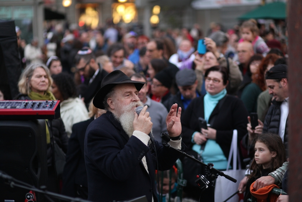 Chanukah UnionSquare 118.jpg