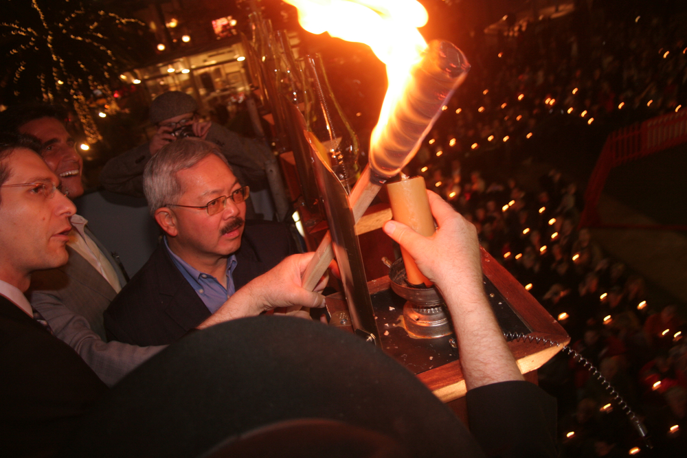 Menorah Lighting 2012 1288.jpg