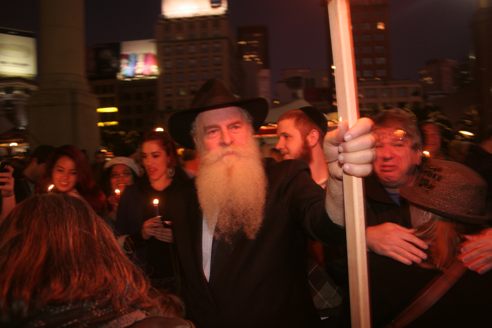 Menorah Lighting 2012 1310.jpg