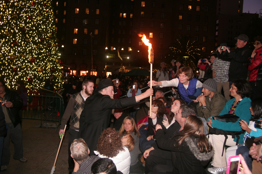 Menorah Lighting 2012 1350.jpg
