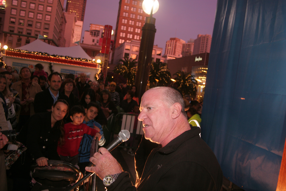 Menorah Lighting 2012 1363.jpg
