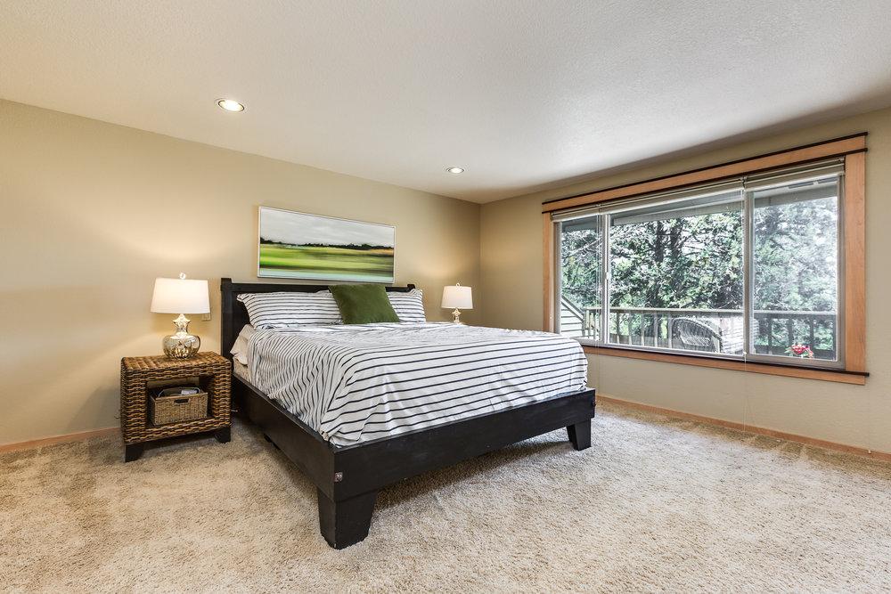 Bend-Oregon-real-estate-bedroom