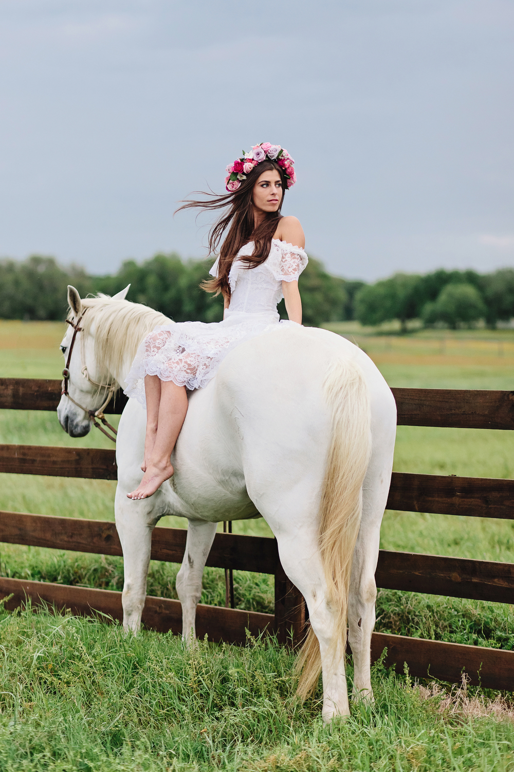 Boho Bride with White Horse and Flower Crown | Cassie Schott Photography