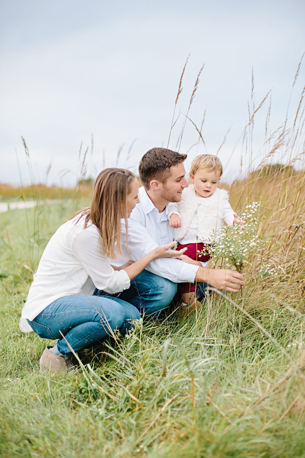 Picking Flowers | Family Photography | Elgin, Illinois | Cassie Schott Photography