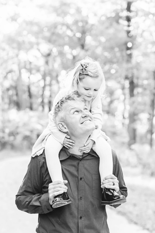 Cassie Schott Photography_Wheaton Family Photographer_2.jpg