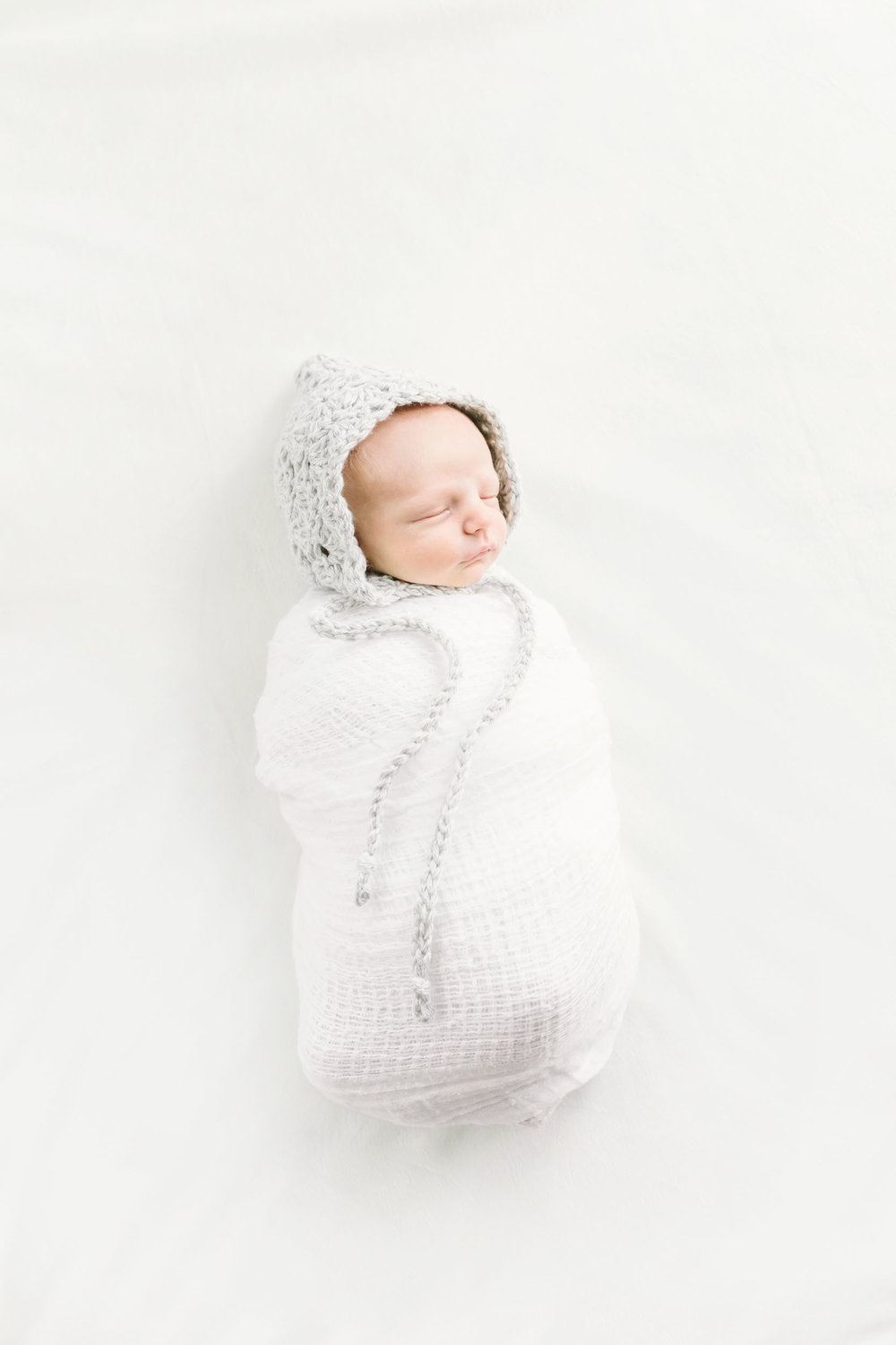 Geneva Illinois Newborn Photographer_Cassie Schott Photography_In Home Session_2.jpg
