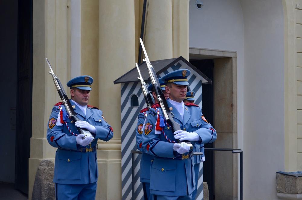 Pragueguards.jpg