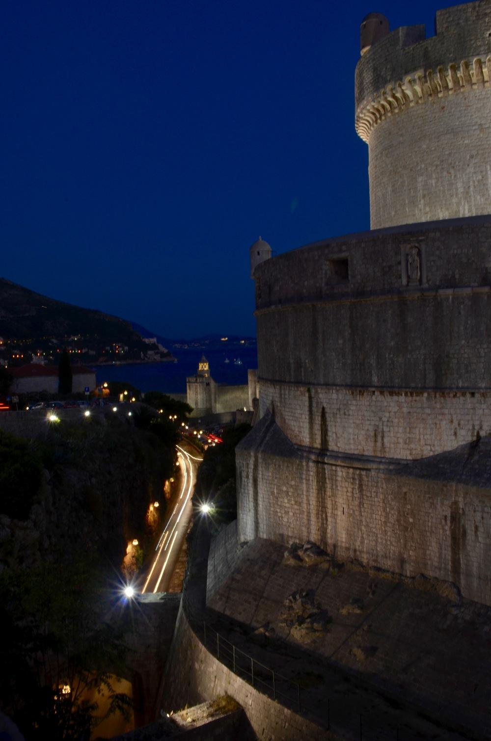 Dubrovnikatnight.jpg
