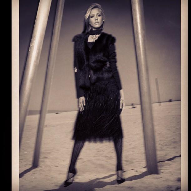 Jessica Alba - Venice Beach Clothes #kevinjohnn