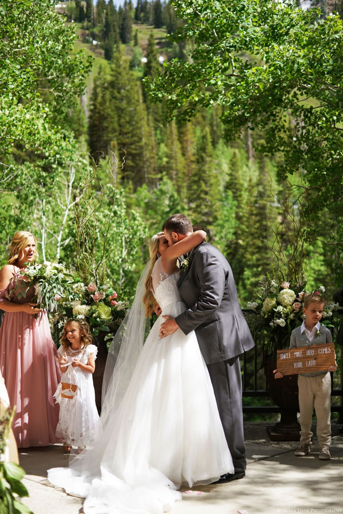 Snowbird_Cliff_Lodge_Wedding_Utah_Photographer_0052.jpg