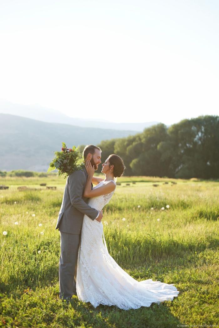 Barn_Nature_Bridal_Groomal_First_Look_Utah_Wedding_Photographer_0006.jpg