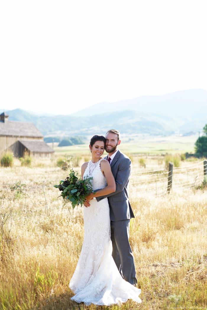 Barn_Nature_Bridal_Groomal_First_Look_Utah_Wedding_Photographer_0009.jpg