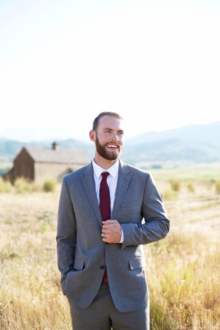 Barn_Nature_Bridal_Groomal_First_Look_Utah_Wedding_Photographer_0012.jpg