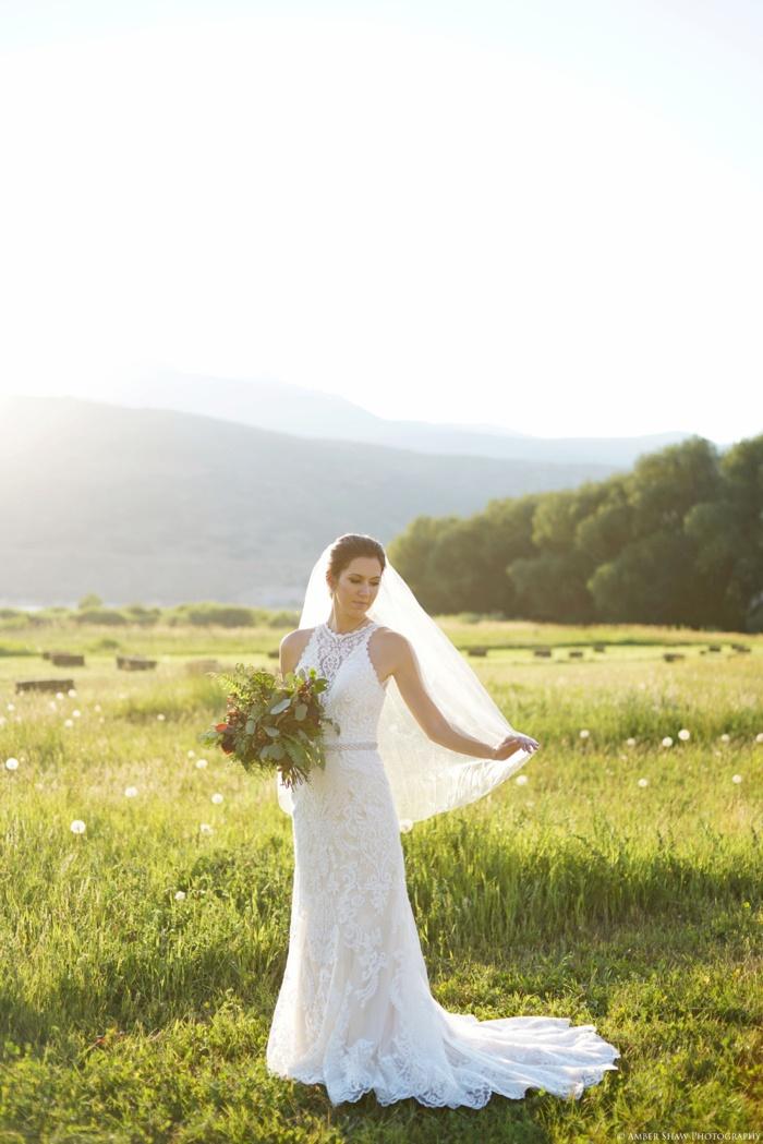 Barn_Nature_Bridal_Groomal_First_Look_Utah_Wedding_Photographer_0015.jpg
