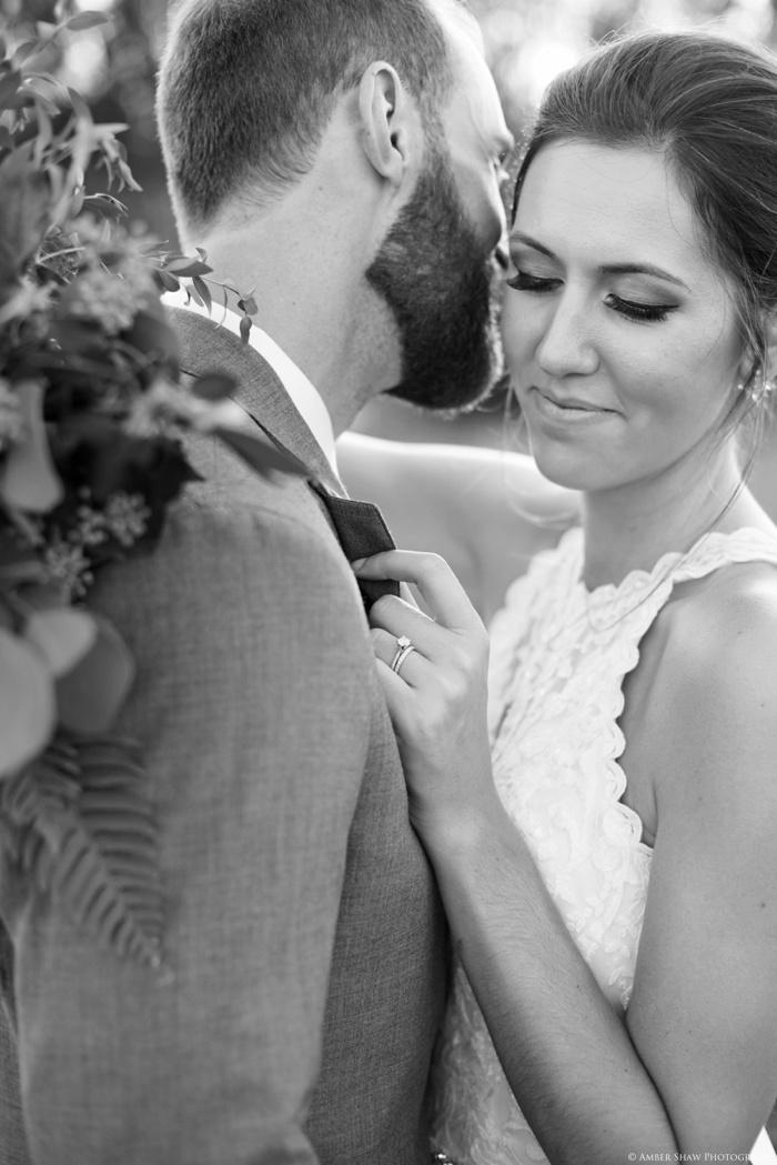 Barn_Nature_Bridal_Groomal_First_Look_Utah_Wedding_Photographer_0024.jpg