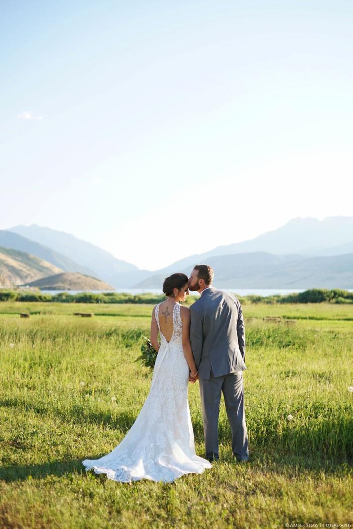 Barn_Nature_Bridal_Groomal_First_Look_Utah_Wedding_Photographer_0025.jpg