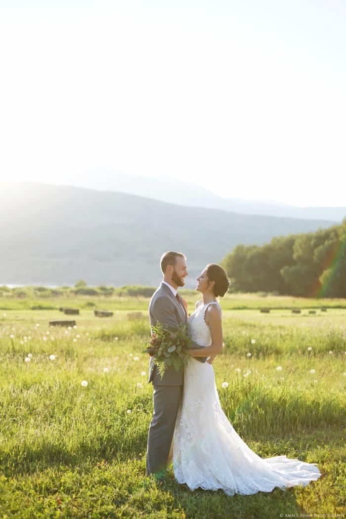 Barn_Nature_Bridal_Groomal_First_Look_Utah_Wedding_Photographer_0029.jpg