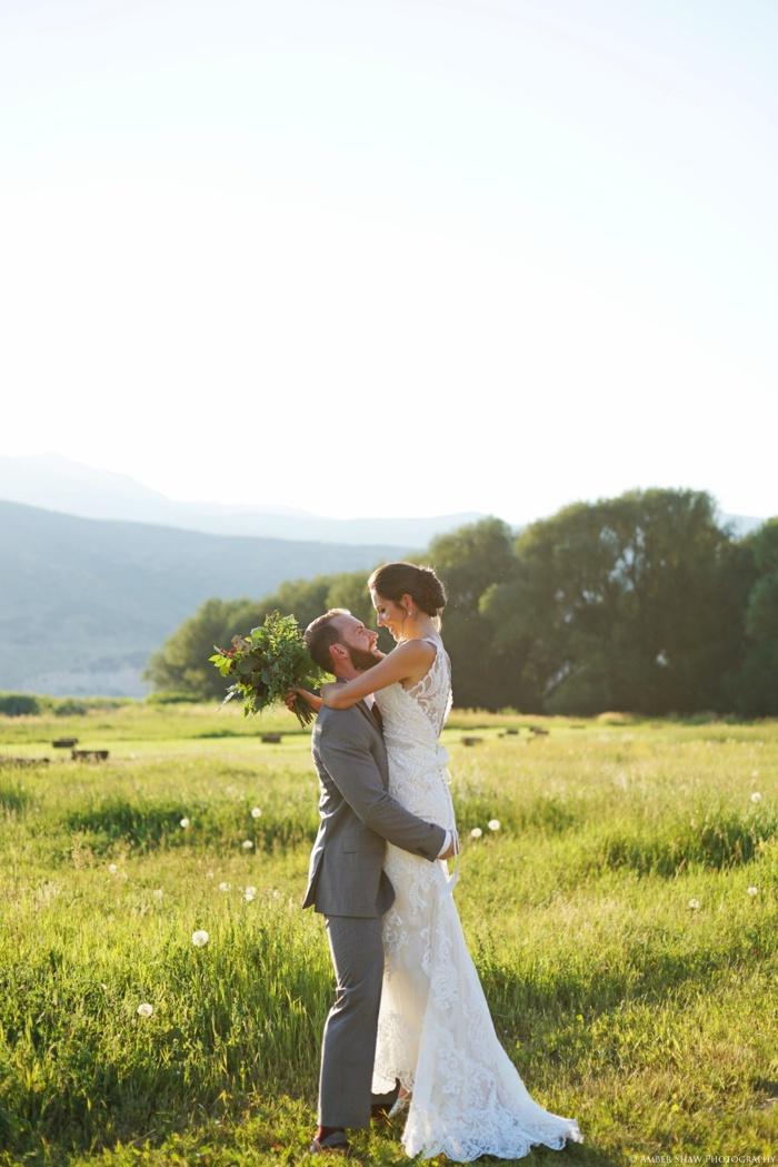 Barn_Nature_Bridal_Groomal_First_Look_Utah_Wedding_Photographer_0031.jpg