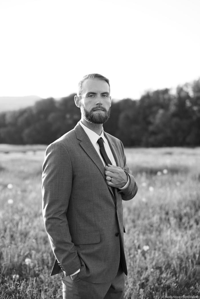 Barn_Nature_Bridal_Groomal_First_Look_Utah_Wedding_Photographer_0036.jpg