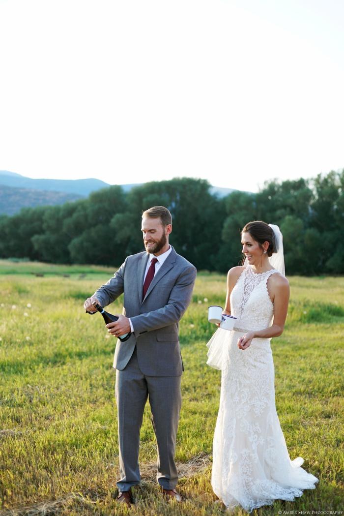 Barn_Nature_Bridal_Groomal_First_Look_Utah_Wedding_Photographer_0040.jpg