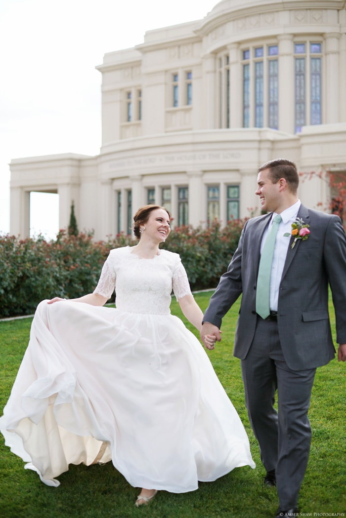 Fall_Payson_Temple_Utah_Wedding_Photographer_0038.jpg