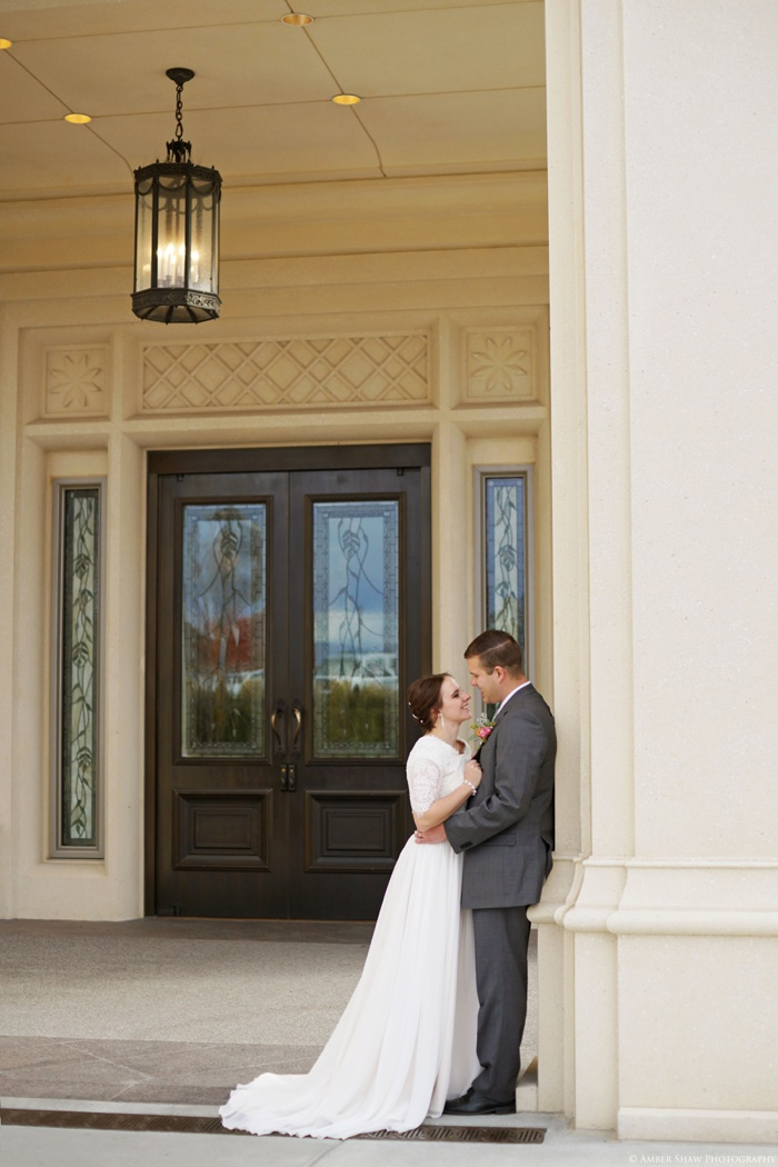 Fall_Payson_Temple_Utah_Wedding_Photographer_0040.jpg