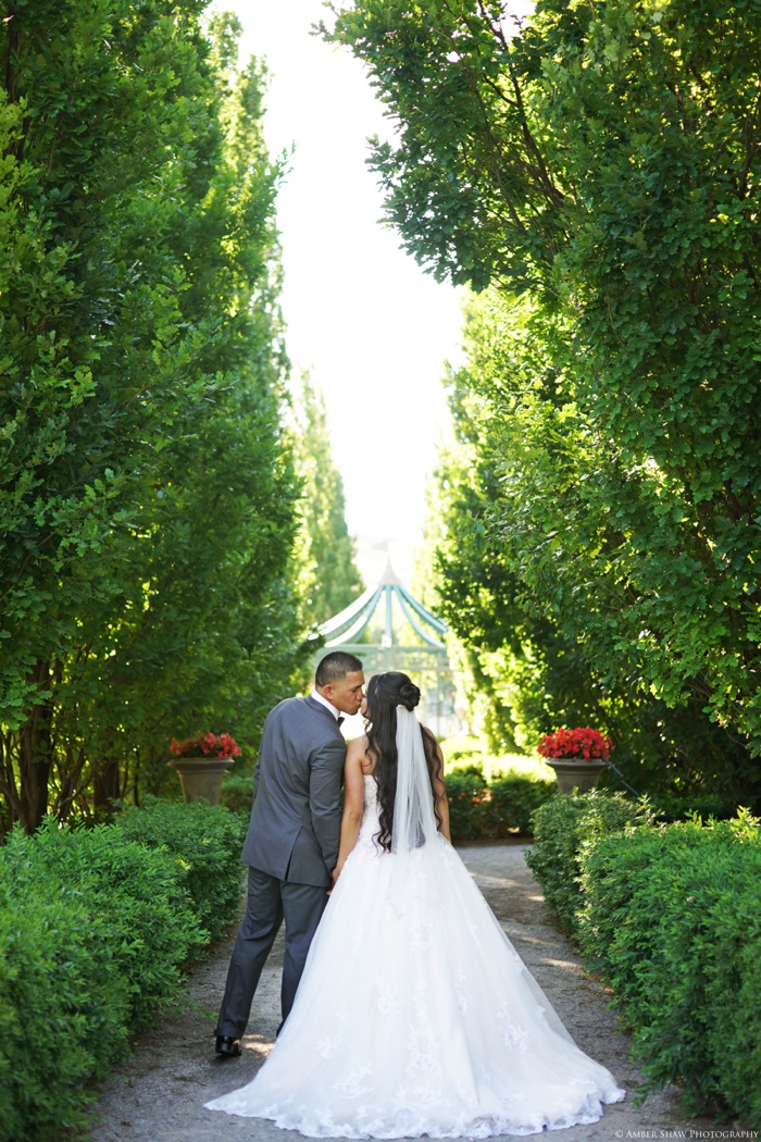 Thanksgiving_Point_Bridal_Groomal_Utah_Wedding_Photographer_0005.jpg