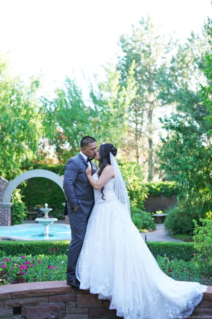 Thanksgiving_Point_Bridal_Groomal_Utah_Wedding_Photographer_0019.jpg