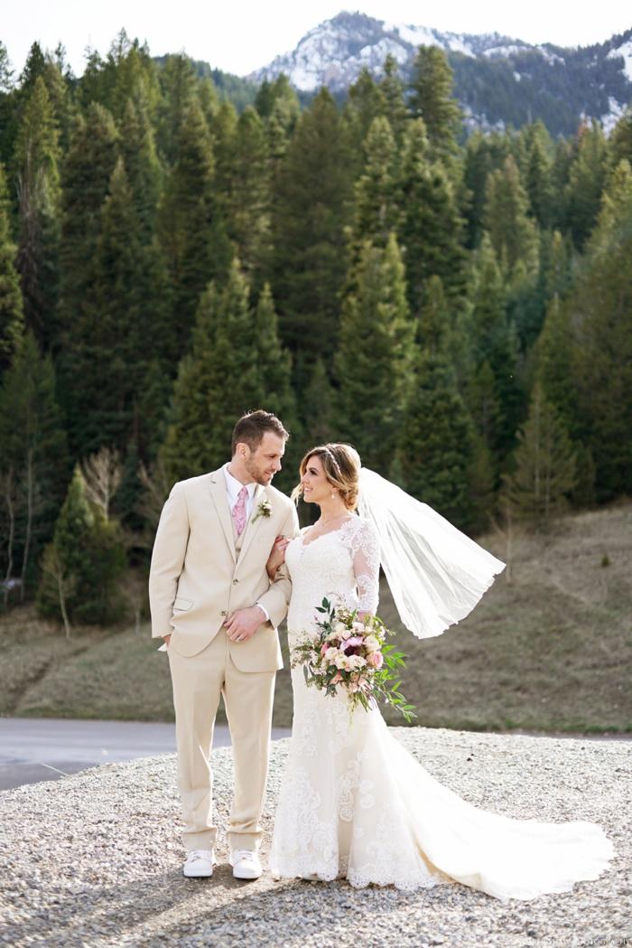 Tibblefork_Bridal_Groomal_Session_Utah_Wedding_Photographer_0016.jpg