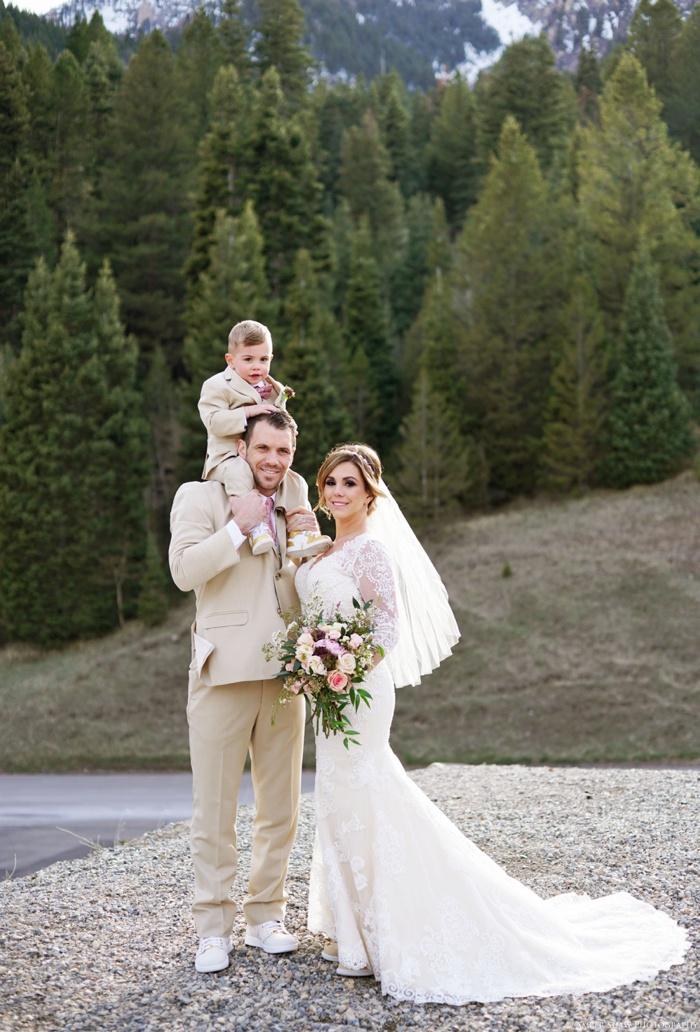 Tibblefork_Bridal_Groomal_Session_Utah_Wedding_Photographer_0025.jpg
