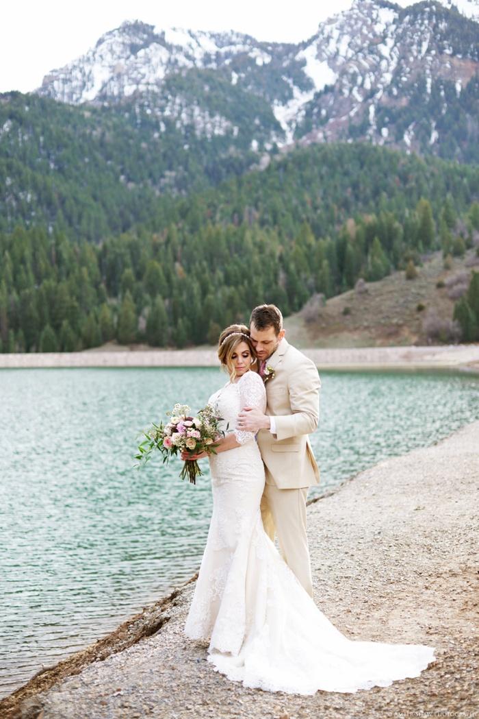 Tibblefork_Bridal_Groomal_Session_Utah_Wedding_Photographer_0034.jpg