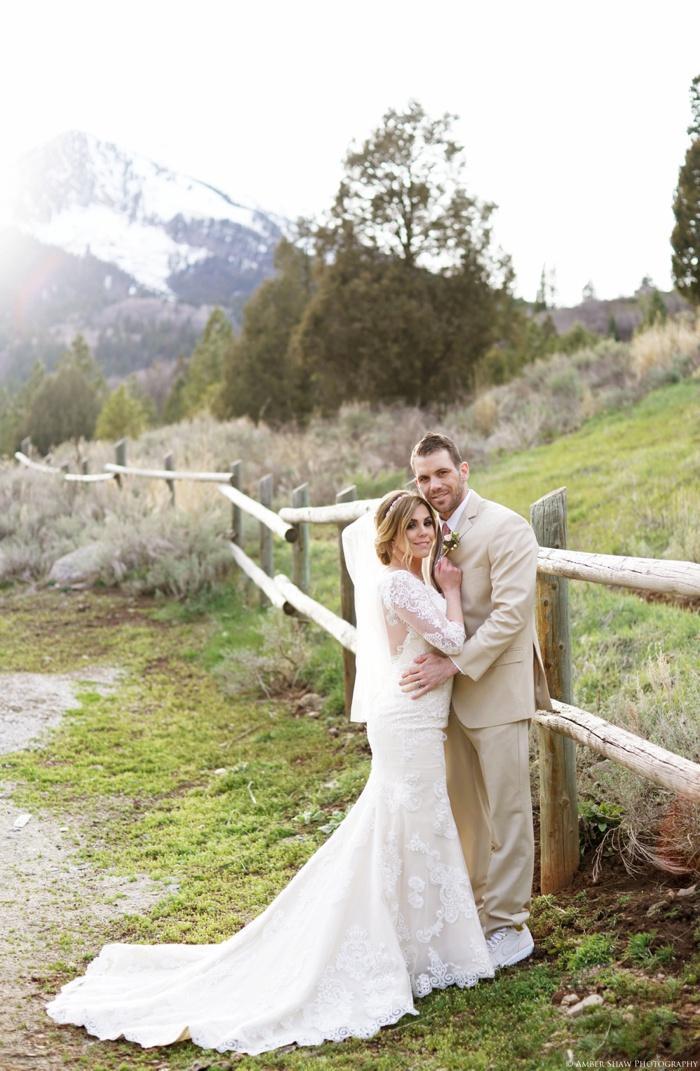 Tibblefork_Bridal_Groomal_Session_Utah_Wedding_Photographer_0038.jpg