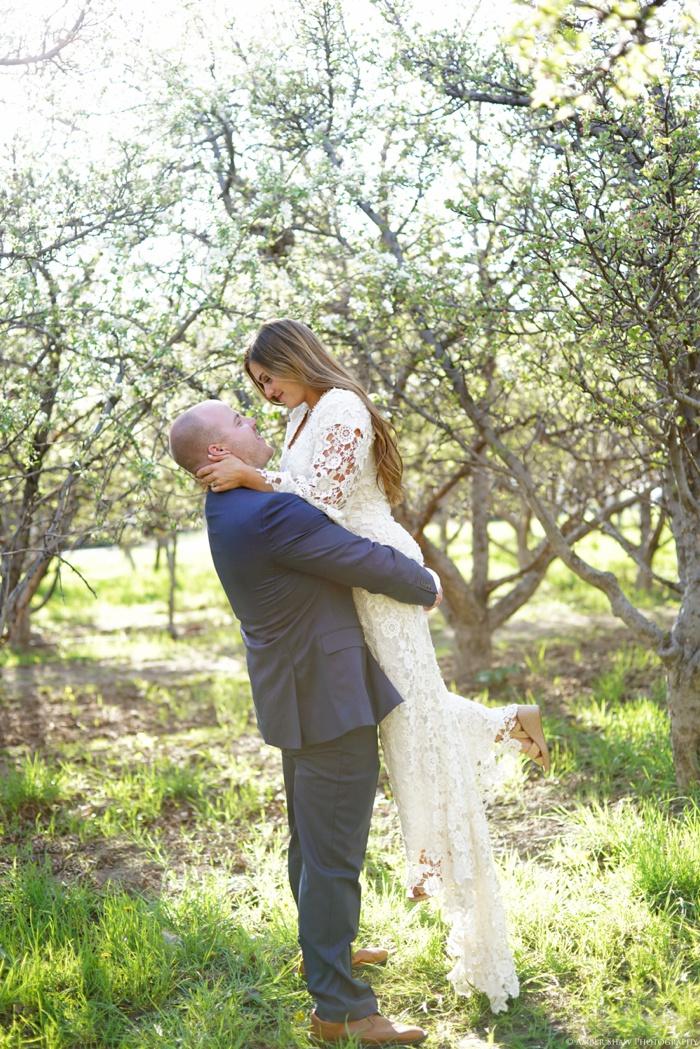 Provo_Orchard_Bridal_Groomal_Session_Utah_Wedding_Photographer_0019.jpg