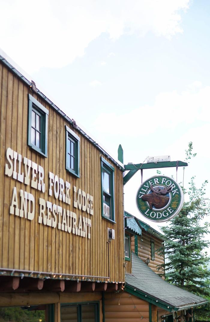 Silver_Fork_Lodge_Summer_Wedding_Utah_Photographer_0003.jpg